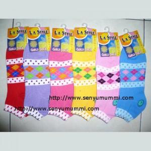 Kaos kaki LA style girl sock kotak, kaos kaki semata kaki